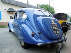 PEUGEOT 402 B (xavnco2) Tags: blue france cars french automobile rear meeting autos peugeot classiccars 402 bleue picardie arrire raduno oise rassemblement sommereux