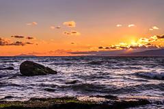 Puesta de sol en la playa de Salou / Sunset on Salou Beach (aldairuber) Tags: sunset beach twilight puestadesol goldensunset ocaso tarragona salou goldcoast costadorada costadaurada goldensea