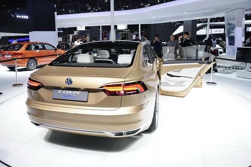 Volkswagen C Coupe GTE на автосалоне в Шанхае
