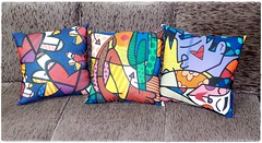 Almofada Romero Britto - Pillow (bruna.cosini) Tags: home brasil bag skull tissue pillow owl coruja patch decor caveira almofada tecido pou