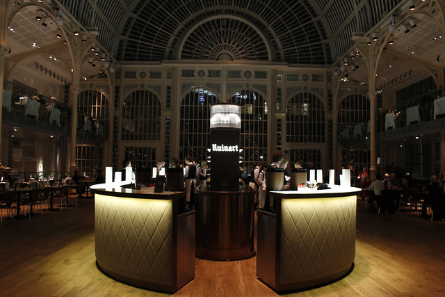 Dining in the Paul Hamlyn Hall, Autumn 15/16 Season © ROH Restaurants 2015