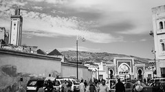 Medina 2, Fes (diego.castillop) Tags: africa city bw bali white canon el mosque bn arabic morocco fez medina mezquita marco marruecos fas almagrib diegocastillo t2i