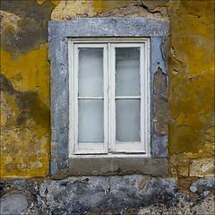 Ventana de Faro (John LaMotte) Tags: ventana janela window deterioro decayed faro algarve portugal infinitexposure ilustrarportugal