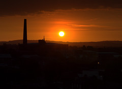 Orange morning in Preston (Tony Worrall) Tags: preston north northwest lancs lancashire england northern uk update place location visit area county attraction open stream tour country welovethenorth unitedkingdom sunlit sunset scenic scene dawn sun chimney outline sky skyline morning early glow glowing orange