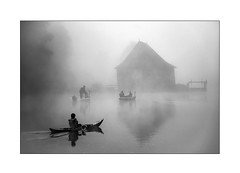 Dans le brouillard (Marie 35 (140)) Tags: bretagne illeetvilaine leboël moulin eau lavilaine brouillard pêcheurs