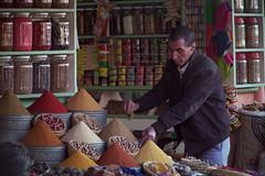 venditore di spezie (giulio.pedretti) Tags: marrakech marocco spices market portrait