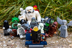 Happy Halloween (Ballou34) Tags: 2016 7dmark2 7dmarkii 7d2 7dii afol ballou34 canon canon7dmarkii canon7dii eos eos7dmarkii eos7d2 eos7dii flickr lego legographer legography minifigures photography stuckinplastic toy toyphotography toys paris france fr ile de halloween park bench reading spooky tales ghost monster mummy zombie