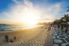 Ipanema sunset (Damian Carvajal Araos) Tags: sunset ipanema brasil beach playa sky cielo twilight sun unlight golen goldenhour color sea sand turism travel latinoamerica samyang samyang8mm 8mm canon