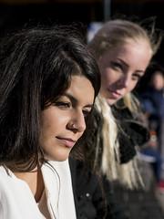 Nathalie & Jet, Amsterdam 2016: Watchful eye (mdiepraam (35 mln views)) Tags: nathalie amsterdam 2016 centraal station platform portrait pretty beautiful elegant dutch brunette girl naturalglamour bokeh blonde