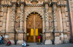 2016 - Mexico - San Luis Potosi - Templo de Nuestra Seora del Carmen - 3 of 3 (Ted's photos - Returns late December) Tags: 2016 cropped mexico nikon nikond750 nikonfx sanluispotosi tedmcgrath tedsphotos tedsphotosmexico vignetting church templodenuestraseoradelcarmen templodenuestraseoradelcarmensanluispotosi beggars churchdoor entrance wooddoor people peopleandpaths arch