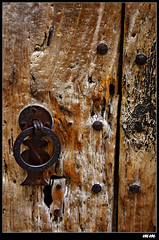 Picaporta (Marti Margarit) Tags: door wood rural puerta madera herrumbre rust antique catalonia porta catalunya antiguo antic fusta catalua oxide xido picaporte rovell picaporta