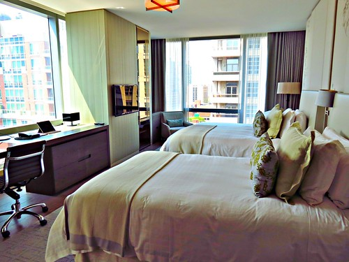 guest room four seasons hotel toronto on