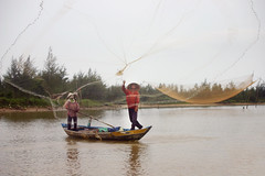 Hoi An _ Fishing (SteMurray) Tags: vietnam travel ste murray 2010 asia southeast hanoi saigon ho chi minh hoi an green rice terraces boats mopeds yellow lights tribes local people architecture places explore animals horse bull mountains bay halong na thrang hue stesphotos