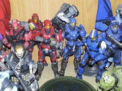 Red vs Blue (D-man07) Tags: 3 halo microsoft reach universe mcfarlane odst