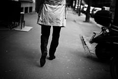 dressman (gato-gato-gato) Tags: street leica bw white black blanco monochrome digital person 50mm schweiz switzerland abend flickr noir suisse strasse zurich negro hard streetphotography pedestrian rangefinder mai human monochrom zrich svizzera sonne weiss zuerich blanc manualfocus schwarz onthestreets passant m9 zri mensch sviss  fruehling feierabend langstrasse zwitserland isvire zurigo werd kreis4 fussgnger manualmode zueri aussersihl strase   kreischeib messsucher manuellerfokus