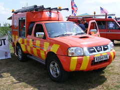 2628 - Aero Fire And Rescue - Nissan Navara - KD54 FHL - DSCF8405 (Call the Cops 999) Tags: park uk england rescue fire support day nissan britain aviation united country great north lakes july saturday 7 kingdom lincolnshire led vehicles gb vehicle and service emergency 13 beacon chevron tender services aero airfield battenburg crowle revolving unit fhl navara 2013 ar01 kd54 dscf8405