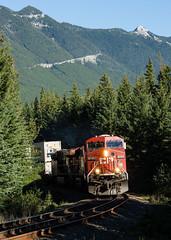 CP 8722 West @ Banff, AB (Mathieu Tremblay) Tags: railroad canada train rockies pacific railway canadian alberta massive banff cp chemin rocheuses fer subdivision laggan improvementdistrictno9