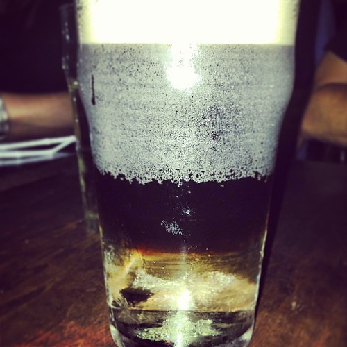My Guinness is floating!! #blackvelvet #montreal