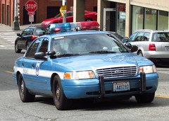 Seattle Police 895 (zargoman) Tags: seattle ford car downtown cops police emergency department cruiser lawenforcement crownvictoria firstresponders policeinterceptor