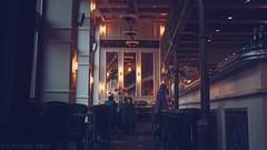 Leuthold's 1910 BASSERIE  (Christian Passi - Steher82) Tags: wein vintage gemtlich retro 1910 kaffee kuchen restaurant licht lampe light glhbirne glhdrath breakfast frhstck peter people menschen altag 28mm festbrennweite caf french