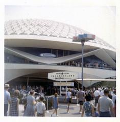 General Electric Progressland, 1964-65 New York World's Fair (Tom Simpson) Tags: 1965 1960s 1964newyorkworldsfair newyork newyorkcity worldsfair vintage nyc carouselofprogress progressland disney