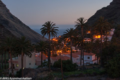 Valle Gran Rey auf La Gomera aufgenommen am Abend - Valle Gran Rey photographed at La Gomera in the evening (klausmoseleit) Tags: jahreszeit frhling lagomera orte spanien frhling vallegranrey kanarischeinseln es