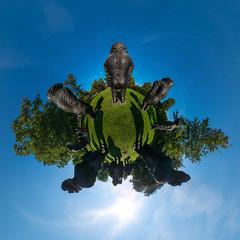 Affen (HamburgerJung) Tags: nordart liu ruowang erbsünde rendsburg büdelsdort kunst art panasonic gm5 germany deutschland stereographic planet littleplanet