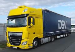 DAF XF 460 (michaelausdetmold) Tags: daf xf lkw truck fahrzeug sattelzugmaschine szm sattelzug
