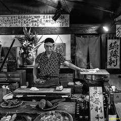 THE CHIEF IS IN CHARGE (D81_3031s) (cyppoon (Chris Poon)) Tags: cyppoon roppongi inakayaeast    robatayaki tokyo
