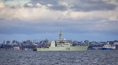 HMCS Yellowknife (Paul Rioux) Tags: bc vancouverisland victoria hmcs yellowknife navy naval military boat ship vessel canada canadianarmedforces royalcanadiannavy sky clouds outdoor prioux