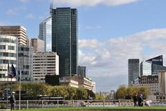 Paris La Defense (claudia.schillinger) Tags: paris ladfense hochhaus arcdetriomphe