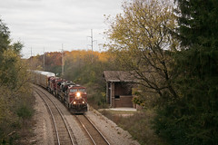 CP8621NashotahWI10-30-16 (railohio) Tags: cp trains nashotah wisconsin v3 103016 station ac44cw 281 canadianpacific