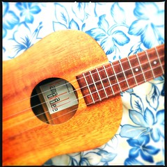 Aloha Friday (Odd American) Tags: alohaspirit aloha music musicalinstrument uke ukulele hipstamatic oggl loftuslens dcfilm