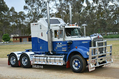 Comet Overnight Transport Kenworth W Model (Bourney123) Tags: kenworth truck trucks trucking highway haulage castlemaine show w model comet diesel victoria australia