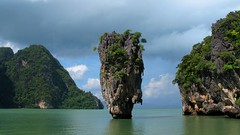 James Bond Island (+PeterCH51+) Tags: ocean sea sky water rock thailand island bay asia southeastasia hills limestone jamesbondisland jamesbond phangnga phangngabay jamesbondrock flickraward earthasia totallythailand peterch51 flickrtravelaward