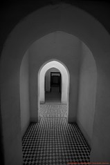 Le Palais de la Bahia (l'apple-cafe) Tags: nikon islam maroc bahia atlas marrakech palais marrakesh hdr highdynamicrange koutoubia afrique mosque musulman d90 palaisdelabahia palaisbahia villerouge djemaelfna nikond90 mosquekoutoubia arabomusulman placedjemaelfna perledusud villeocre villedusud portedusud lamdina laplacedjemaelfna