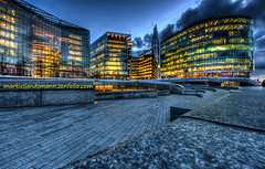 Next to City Hall London (mlphoto) Tags: nightphotography light england london night flickr pentax unitedkingdom cityhall bluehour hdr queenswalk longtimeexposure pentaxk20d mlphoto mlphoto markuslandsmannzenfoliocom
