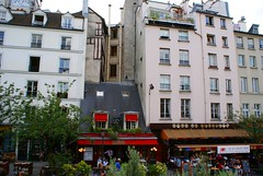 Restaurant Le Petit Chalet (tor-falke) Tags: city paris france french town frankreich capitale francais parisien lesruesdeparis