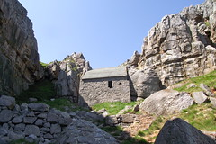 St Govan's Chapel (Vertigo Rod) Tags: ireland irish cliff west history saint wales pirates cymru chapel pirate welsh legend pembrokeshire bosherton kingarthur hanes stgovanshead stgovan