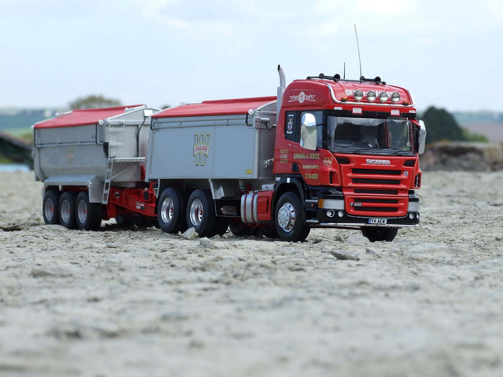Volvo Semi Truck >> The World's Best Photos of tipper and wheeler - Flickr Hive Mind
