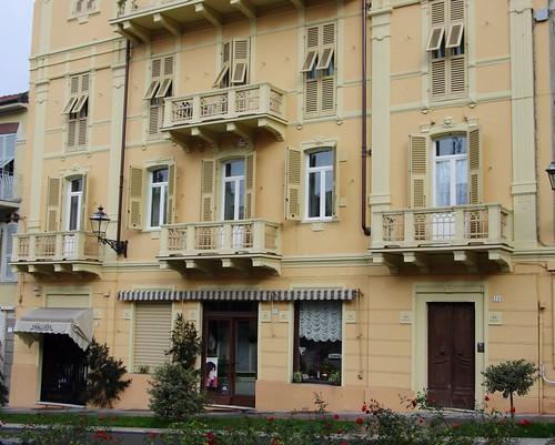 Serramenti Palazzo in Corso Viganò, Acqui Terme