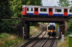 District up Desiro down (stavioni) Tags: west london electric kew train underground d district south sub stock tube siemens rail railway trains surface line emu swt desiro class450 d78 450081