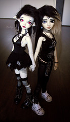 Friends (Mientsje) Tags: white ariel ball punk doll skin gothic mini super pentagram bjd rong msd jointed yellowed dolfie bobobie resinsoul