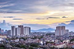 DTI_2702 (01DuTi10) Tags: panorama purple vietnam hànội việtnam đườngsắt giông lốc đườngcong thanhxuân vànhđai3 ngãtư mỗlao trungvăn kimvănkimlũ đườngnguyễntrãi ngãtưsở cátlinhhàđông khuấtduytiiến thanhxuântrung đườngsắttrênkhông núihòabình hoànghuy