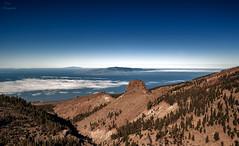 La Gomera y El Hierro vistas desde Tenerife... (Leo ) Tags: gomera hierro islas mar cielo nubes montaas paisaje altura vistas tenerife islascanarias
