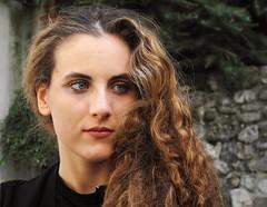 Chiara (kalosphoto) Tags: ritratto portrait esterno exterior primo piano face viso