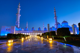 Abu Dhabi Blue Hour - Grand Mosque (1)