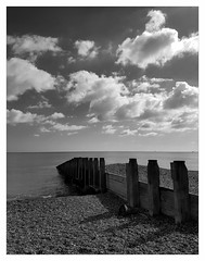 Groyne (ric) Tags: eastbourne groyne beach playa bw bn imagedatasmg935f15296f1740 uploadscript imagemagick im:opts=crop3900x30261340fx07r03glevel210008 photo:id=2016100213285929675174054ojpg