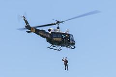 Duke 6 UH-1H SAR Demo (Trent Bell) Tags: huntingtonbeach california socal 2016 airshow huntingtonbeachairshow aircraft seachandrescuedemo helicopter duke6 uh1h n186sd orangecountysheriffsdepartment