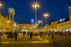 Zagreb - Trg Bana Josipa Jelaia (Aelo de la Krotsche) Tags: trgbanajosipajelaia hrvatska croatia croatie zagreb zagrebbynight zagrebdenoche zagrebdenuit nuit nacht night noche